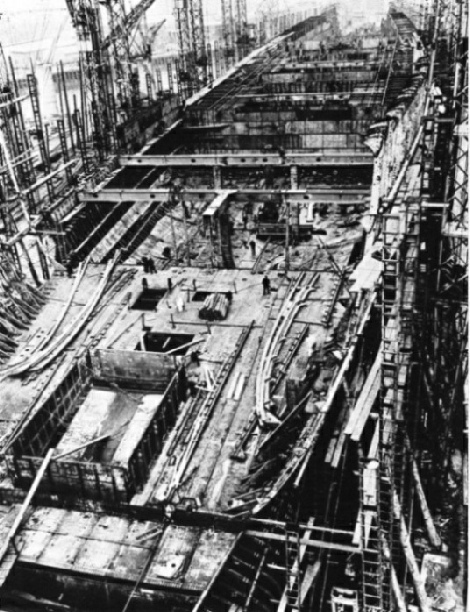 RMS Queen Mary under construction